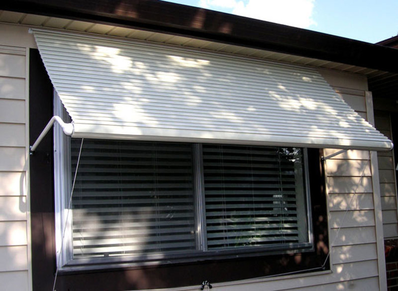 5500 Series Roll-Up Window Awning
