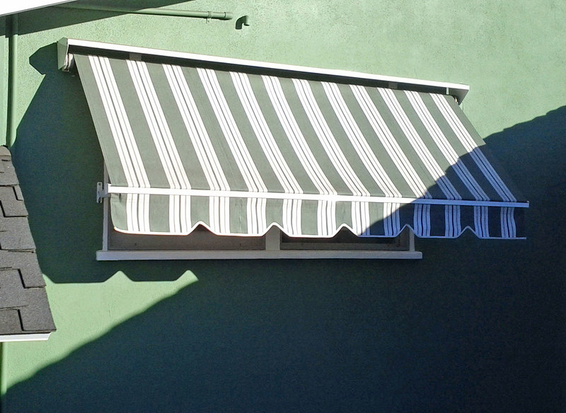 Heavy Duty Awning : Robusta heavy duty retractable window awning