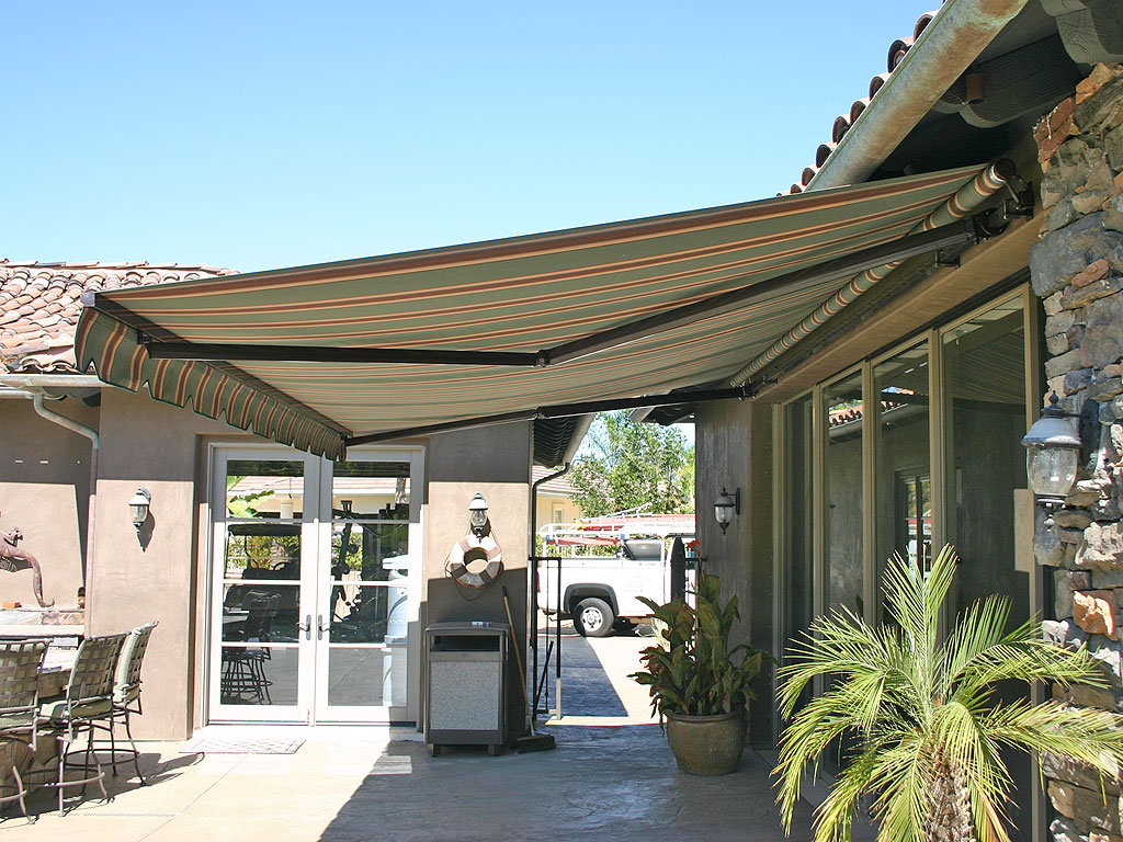 pics photos retractable awnings patio shade back yard shade