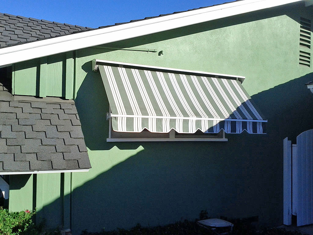 Robusta Heavy Duty Retractable Window Awning